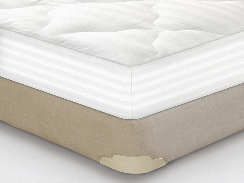 Наматрасники Consul ™Аксессуары<br>Описание модели: Наматрасник-перина «Consul Lux» произведен из высококачественной, 100% хлопковой ткани с гипоаллергенным наполнителем, обработанной ионами серебра. Может быть исполнен в 4-х вариантах: 1) Низкая стёжка (плотность наполнителя 120 гр./м2) с бортами 2) Низкая стёжка (плотность наполнителя 120 гр./м2) на резинке 2) Средняя стёжка (плотность наполнителя 200 гр./м2) с бортами 4) Средняя стёжка (плотность наполнителя 200 гр./м2) на резинке Комментарий руководителя интернет-магазина: Дорогие клиенты, каждая новинка, будь то матрас или наматрасник, придуманные и реализованные в стенах нашего холдинга, проходит большое количество всевозможных тестов не только на производстве, но также и в домашних условиях. Да, перед тем, как что-то выпустить в массы, мы сами (руководители, менеджеры, консультанты) на себе тестируем все уютные прототипы, учитывая комментарии и пожелания каждого из испытателей, доводим продукт до совершенства и представляем на суд общественности. С гордостью могу заявить, что являюсь патриотом и фанатом каждого нового изделия, выпущенного под брендом Holding Consul. Не исключение и данный наматрасник-перина - Consul Lux. Приоткрою небольшую завесу тайны, отвечу на часто задаваемый мне вопрос: На чём же сам спит руководитель официального магазина фабрики Consul? - Я выбрал для себя матрас Мульти Росс, средний по жёсткости, с классическим сочетанием кокос + латекс, с повышенным количеством пружин, но не о матрасе сейчас речь. Недавно мы с коллегами получили для тестов новинку - наматраник-перину «Consul Lux» (средней и высокой стёжки), которая и представлена на данной странице. На следующий день восторженным одам данному текстильному творению не было предела. Сарафанное радио докрутилось до таких масштабов, что материала, заказанного для производства первой, тестовой партии не хватило на всех желающих из персонала самой фабрики. Спешу Вас успокоить и заверить, если сегодня Вы закажите данный товар, то никаких з